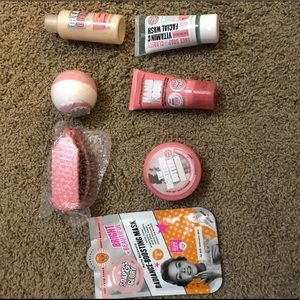 Soap and glory kit